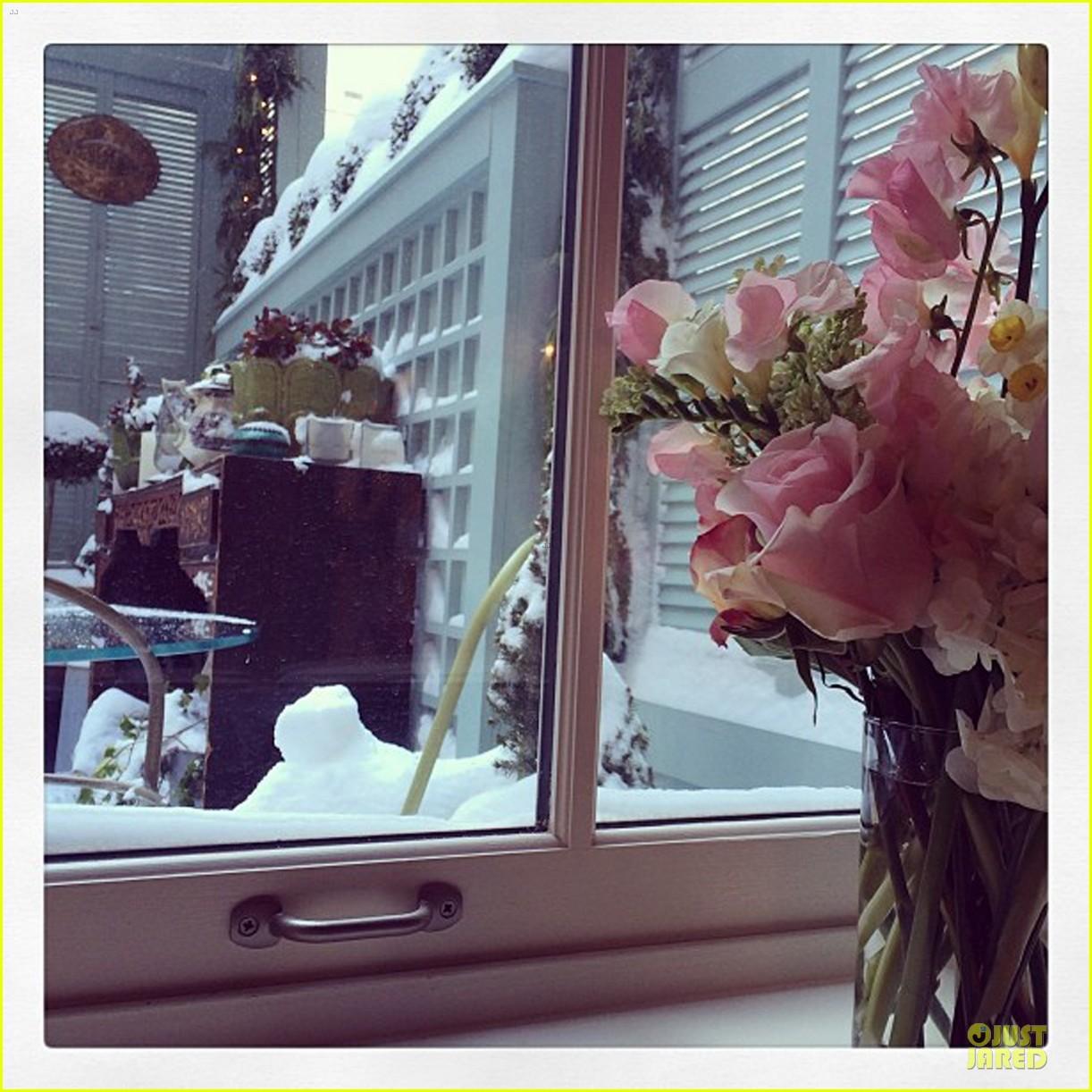 miranda kerr snowy salon stop in the new year 053022203