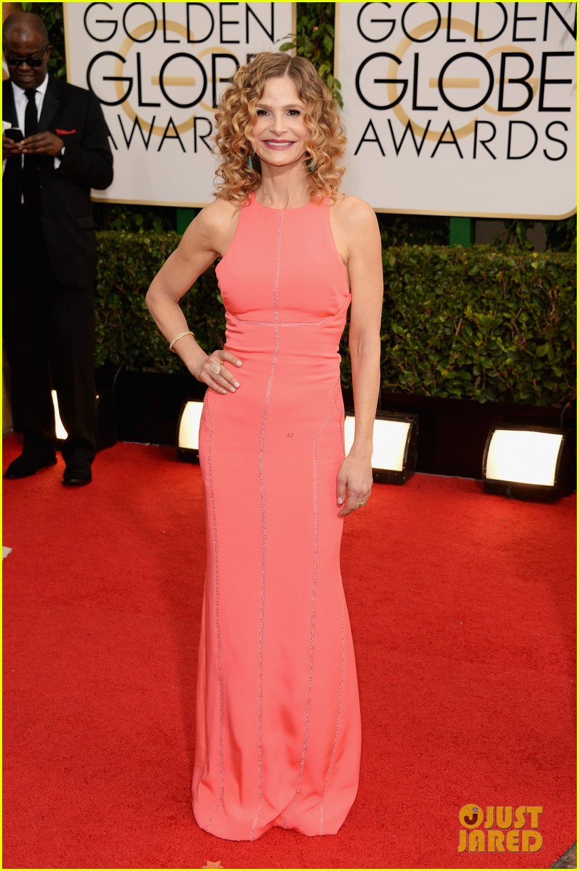 kevin bacon kyra sedgwick golden globes daughter sosie 03