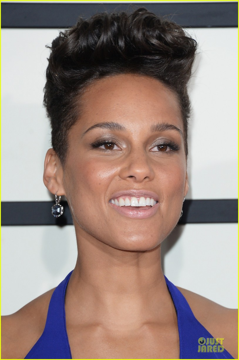 alicia keys swizz beatz grammys 2014 red carpet 073041109