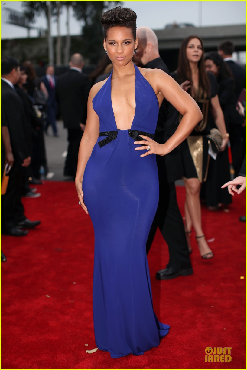 alicia keys swizz beatz grammys 2014 red carpet 11