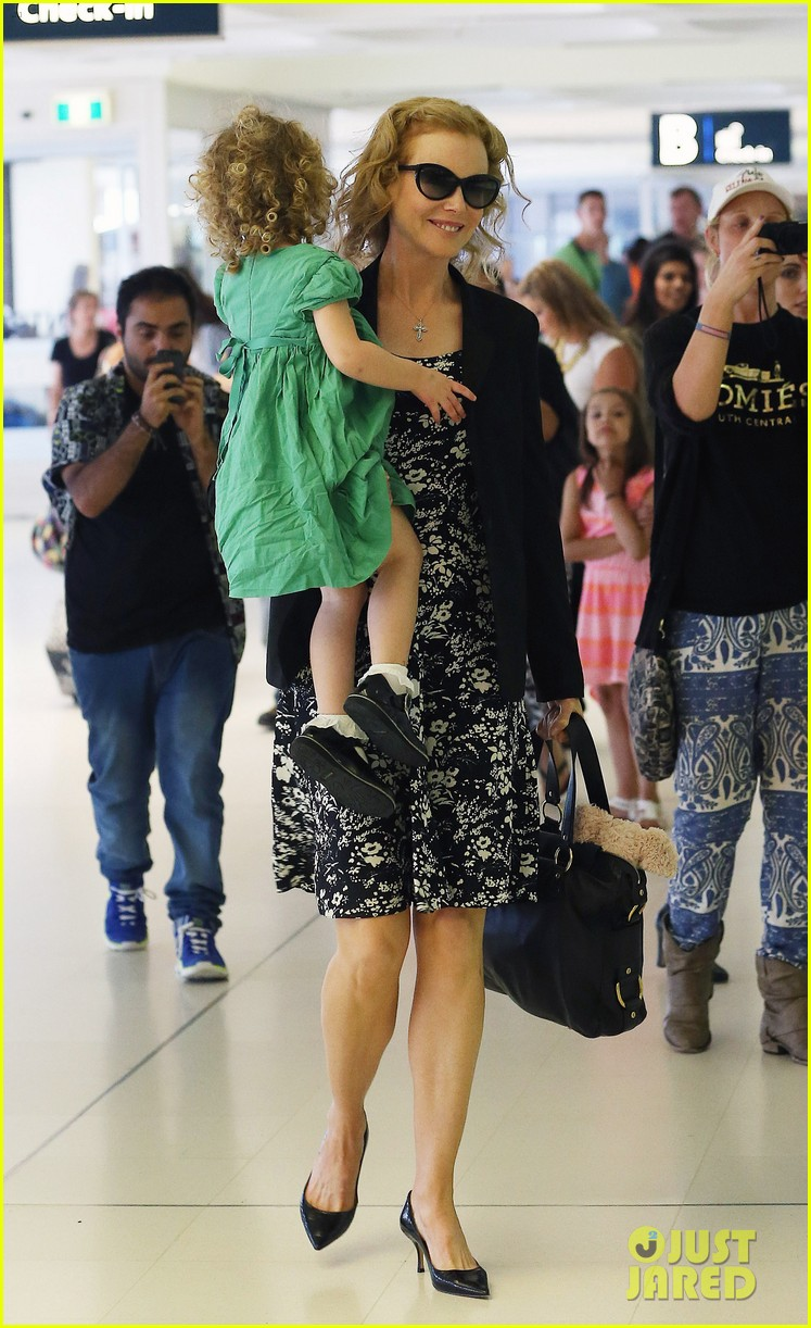 nicole kidman keith urban fly out of sydney with the girls 053021772