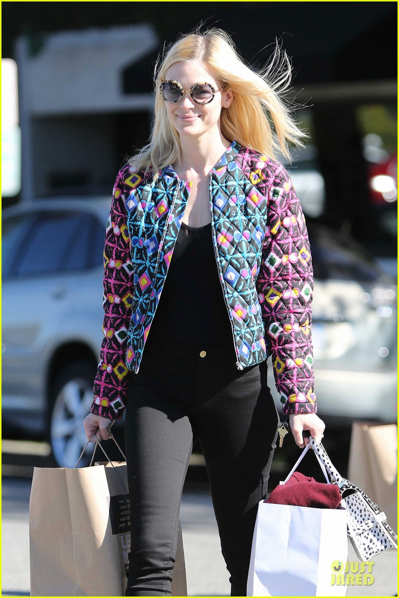 jaime king family lunch after friday gifting suite stop 043035829