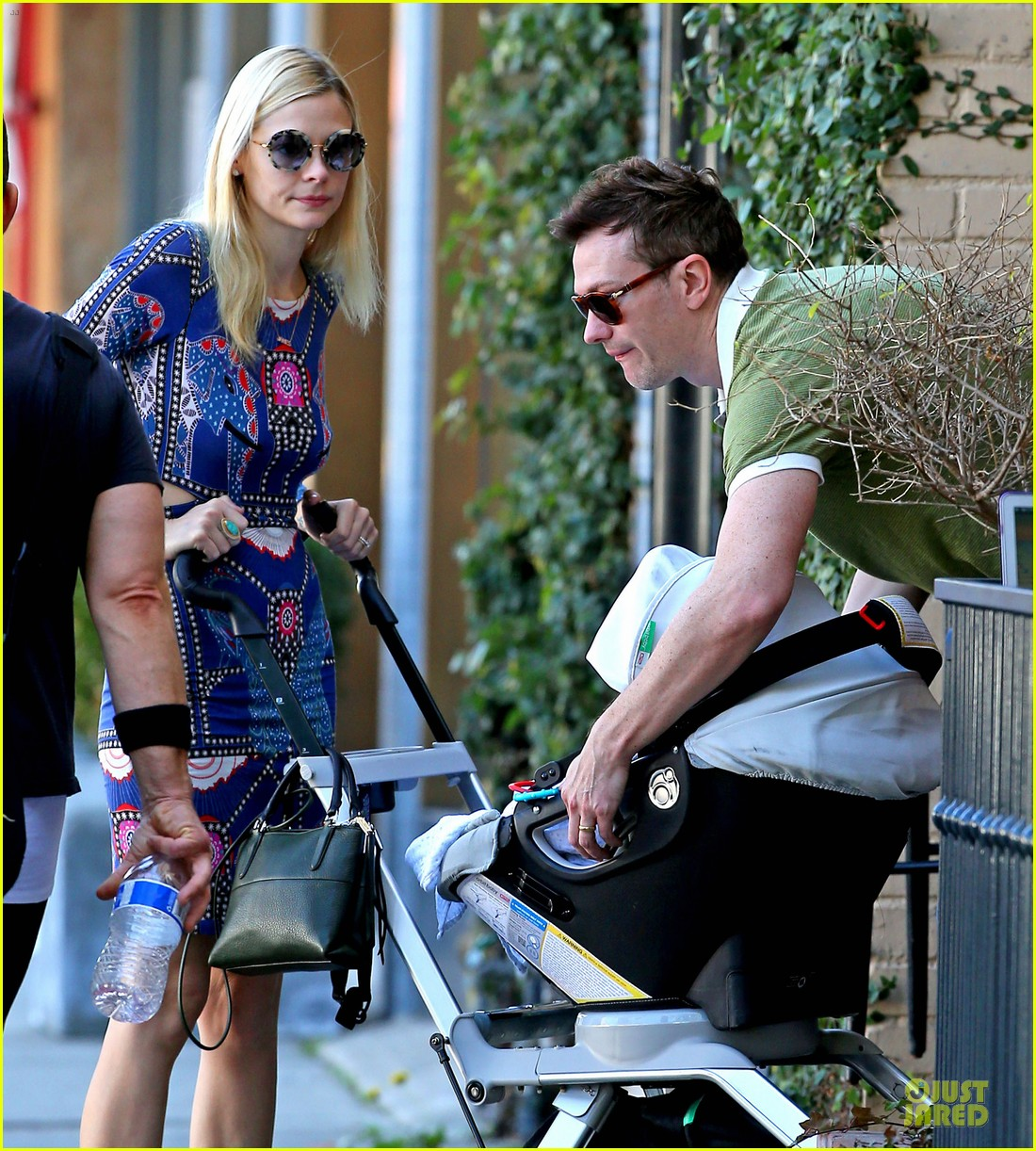 jaime king family lunch after friday gifting suite stop 063035831
