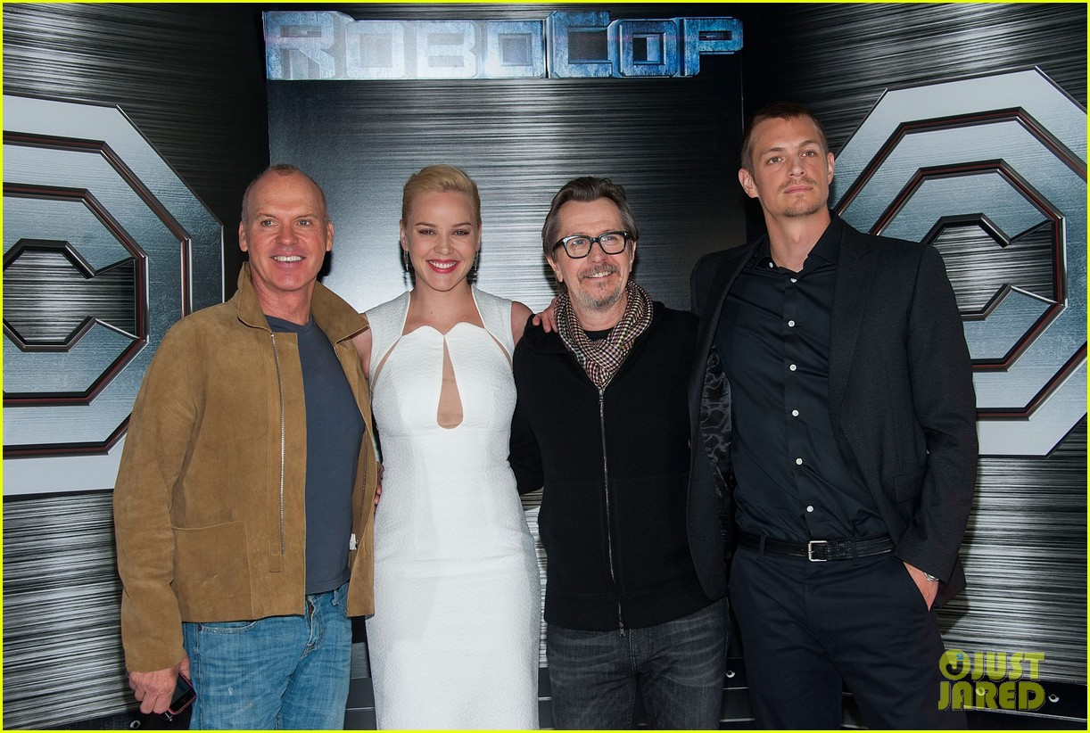 joel kinnaman abbie cornish robocop la photo call 10