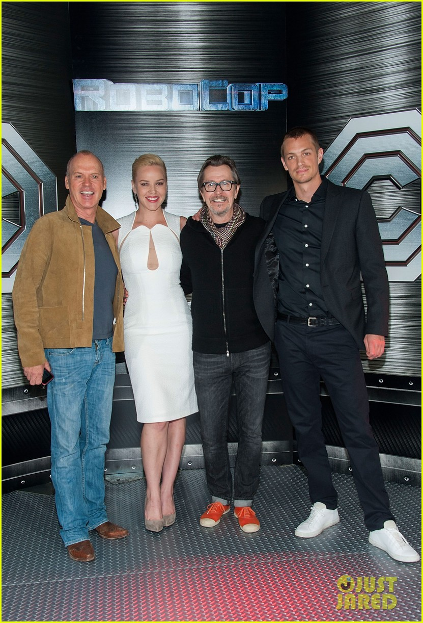 joel kinnaman abbie cornish robocop la photo call 12