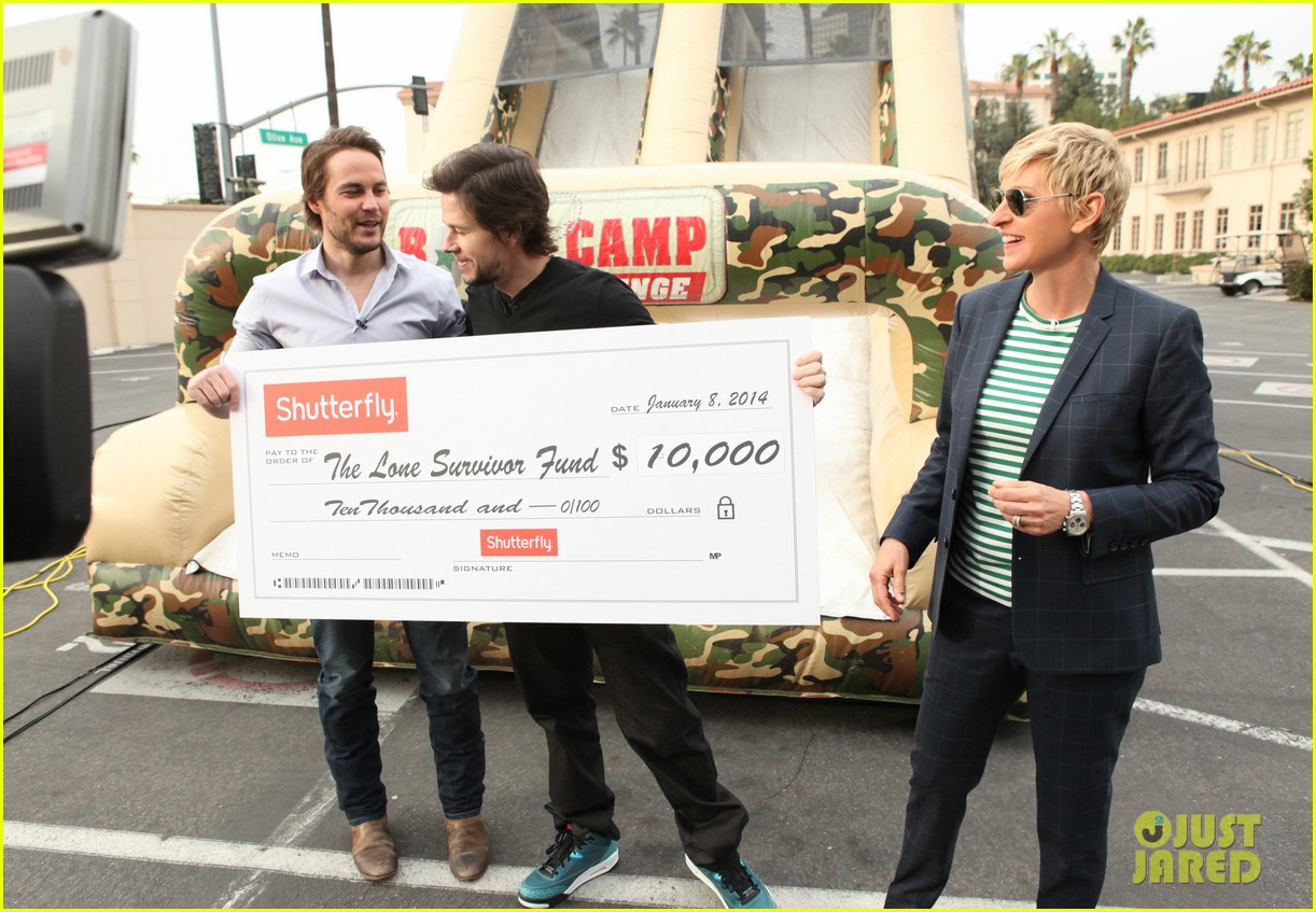 mark wahlberg taylor kitsch obstacle course on ellen 063025180