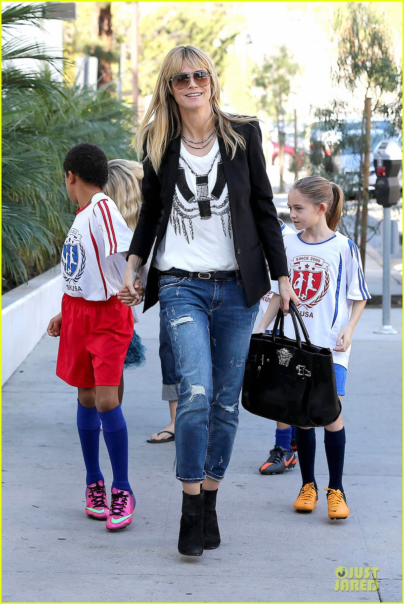 heidi klum grabs coffee before jag gym stop with the kids 063036043