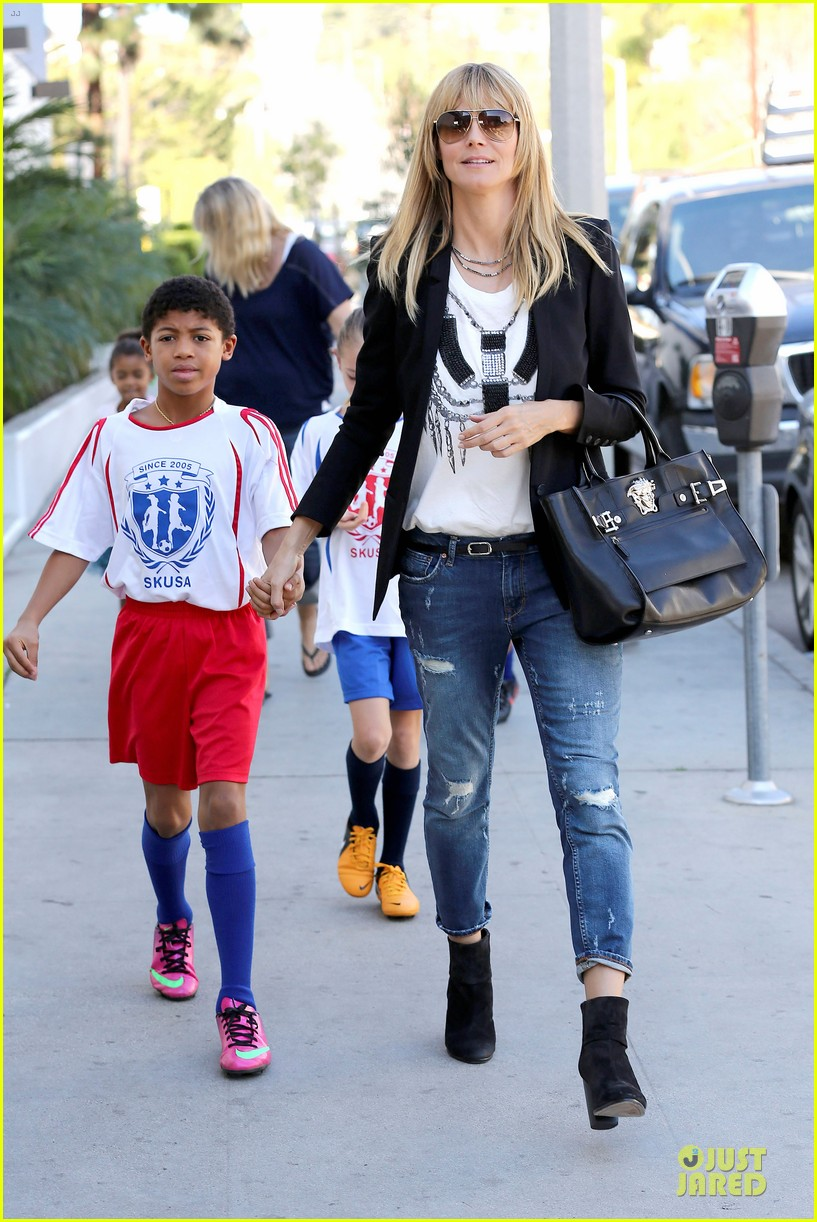 heidi klum grabs coffee before jag gym stop with the kids 103036047
