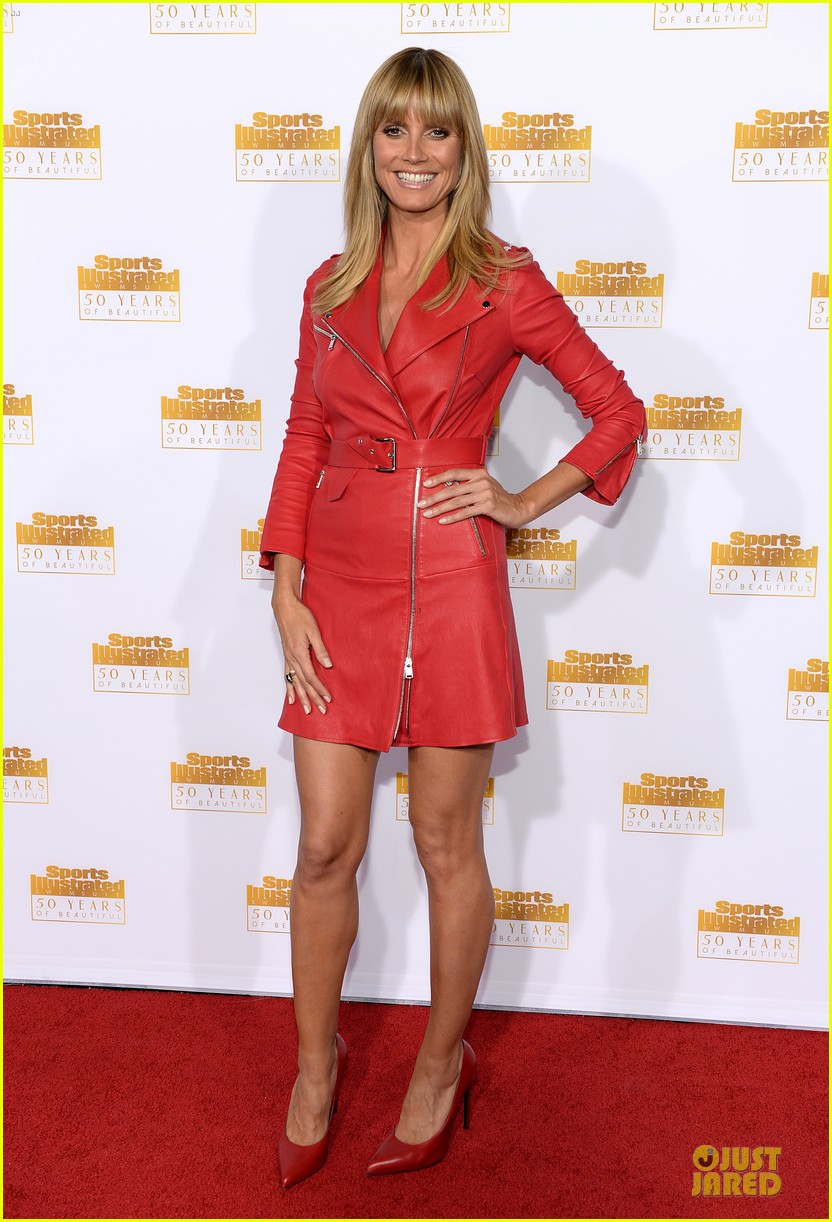 heidi klum kate upton si 50th anniversary swimsuit party 013031469