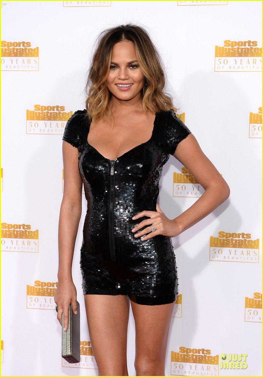 heidi klum kate upton si 50th anniversary swimsuit party 023031470