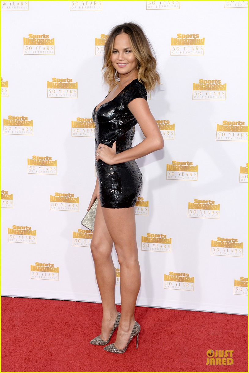 heidi klum kate upton si 50th anniversary swimsuit party 063031474
