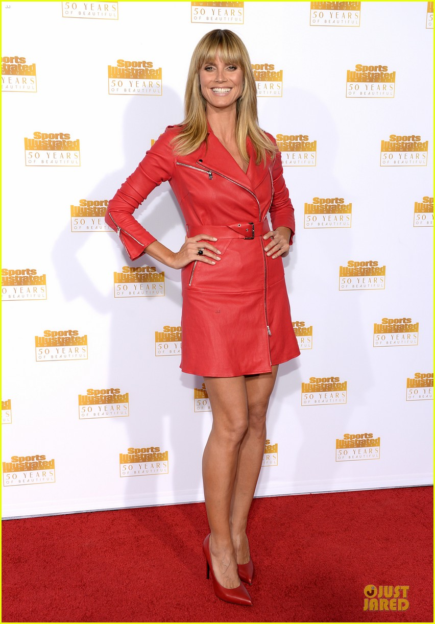 heidi klum kate upton si 50th anniversary swimsuit party 12