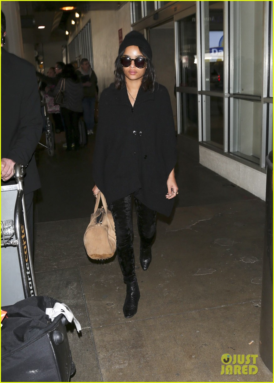 zoe kravitz heads to los angeles after supporting pals in nyc 033039026