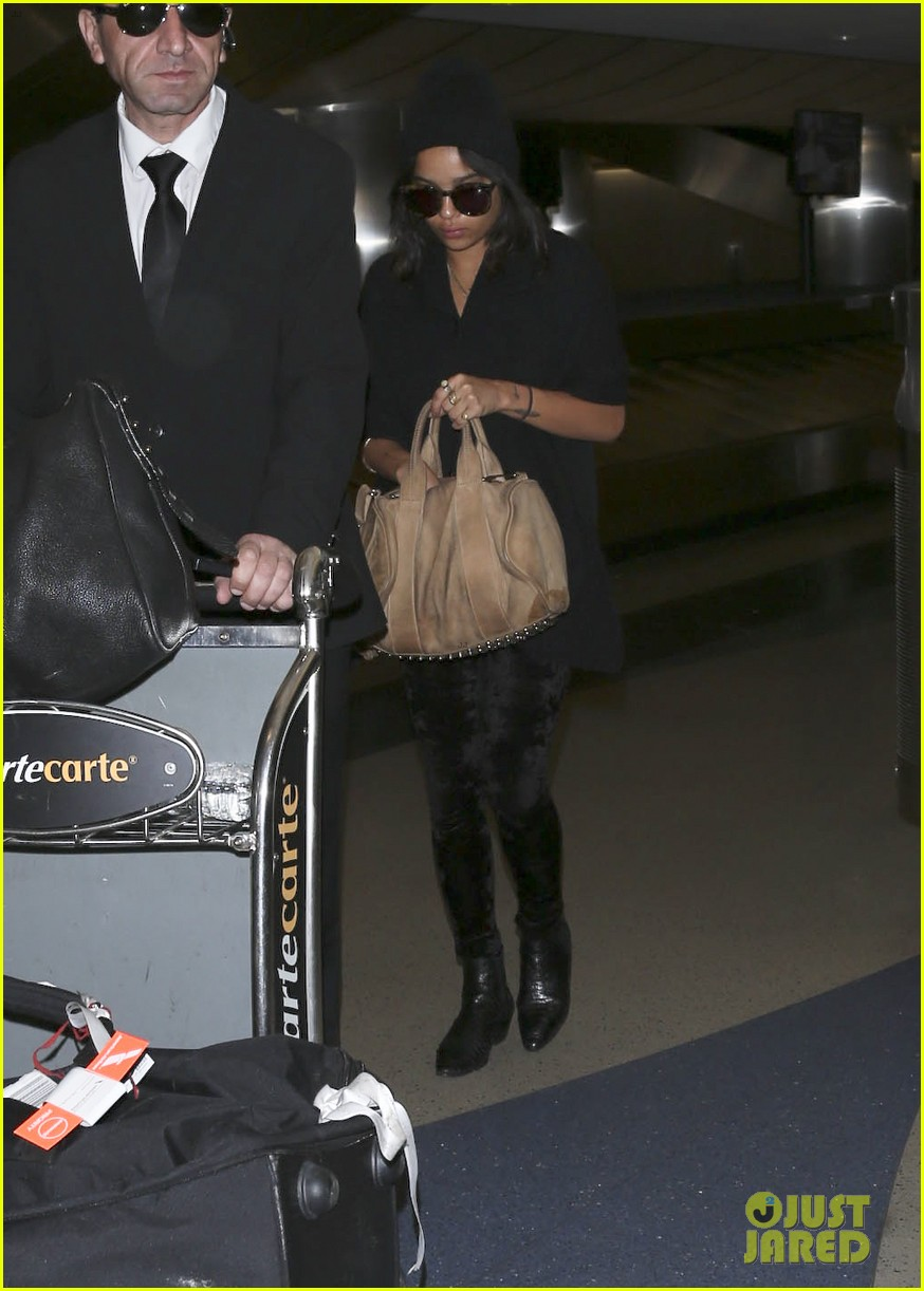 zoe kravitz heads to los angeles after supporting pals in nyc 063039029