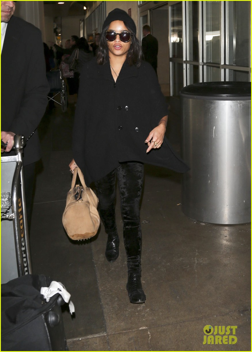 zoe kravitz heads to los angeles after supporting pals in nyc 133039036