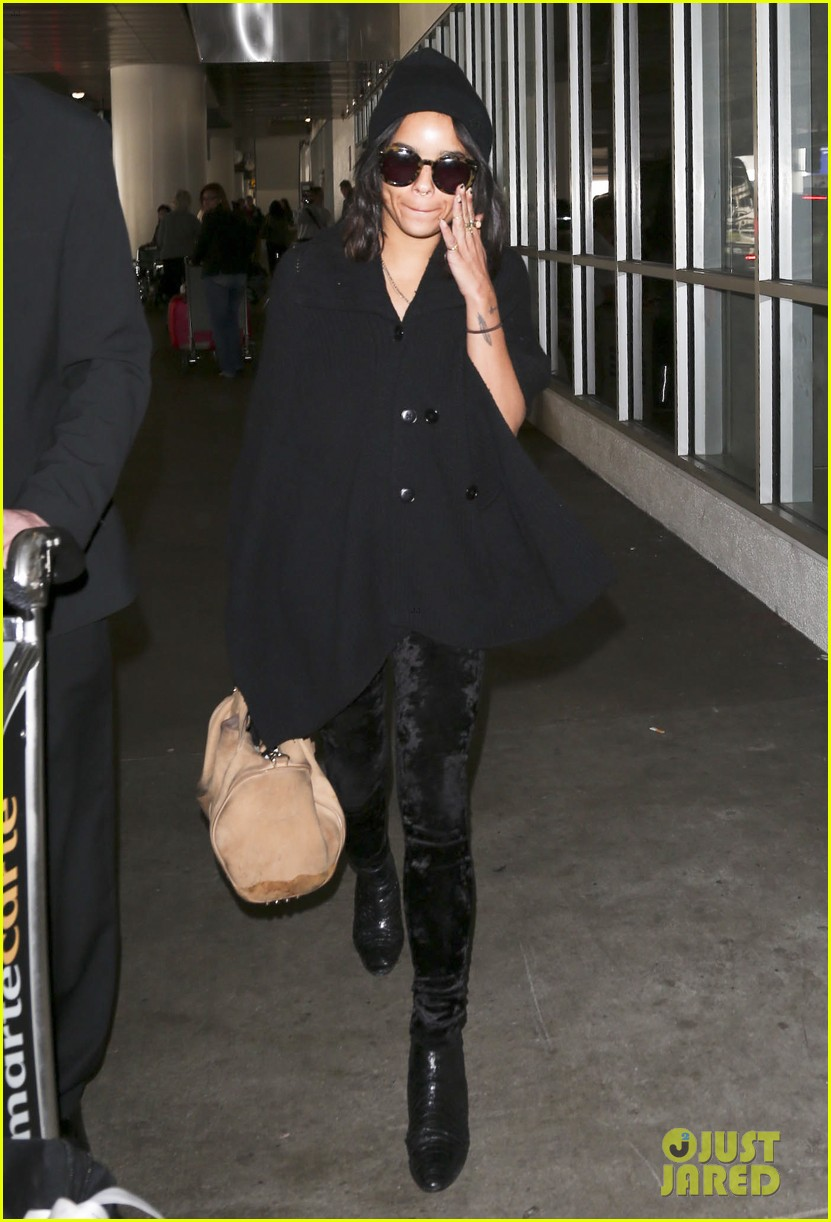 zoe kravitz heads to los angeles after supporting pals in nyc 183039041