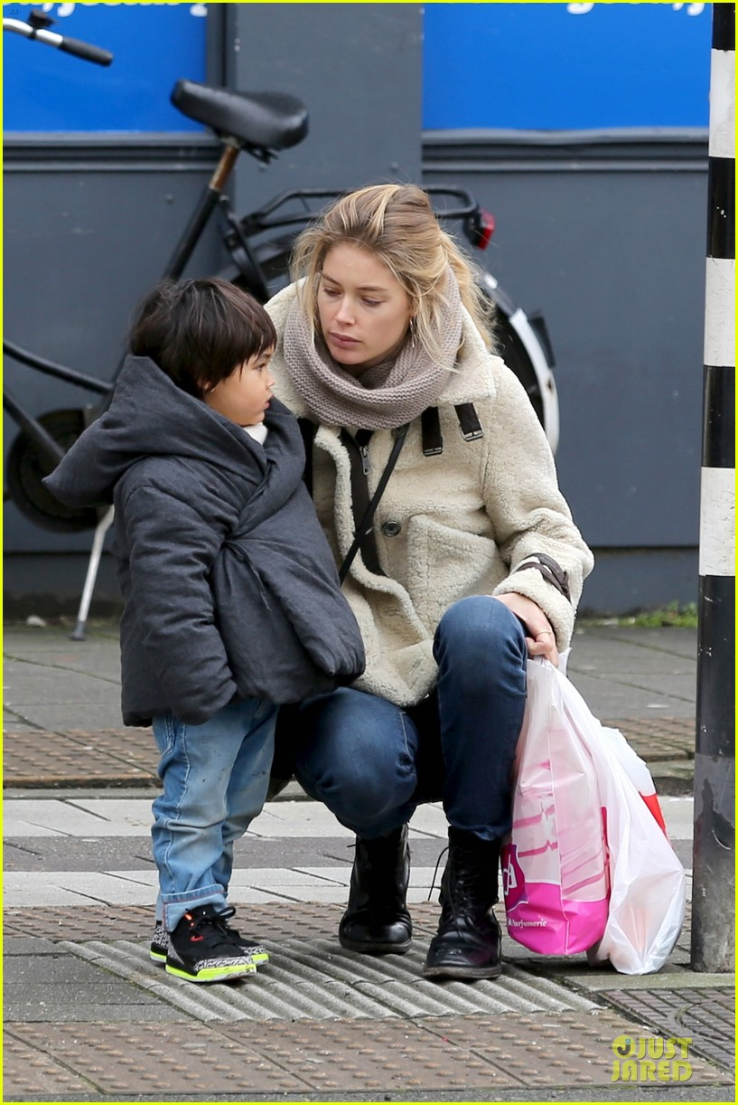 doutzen kroes netherlands shopping with phyllon 183042472