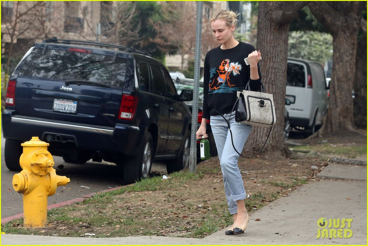 diane kruger wears no makeup looks fresh faced for errand run 163044893