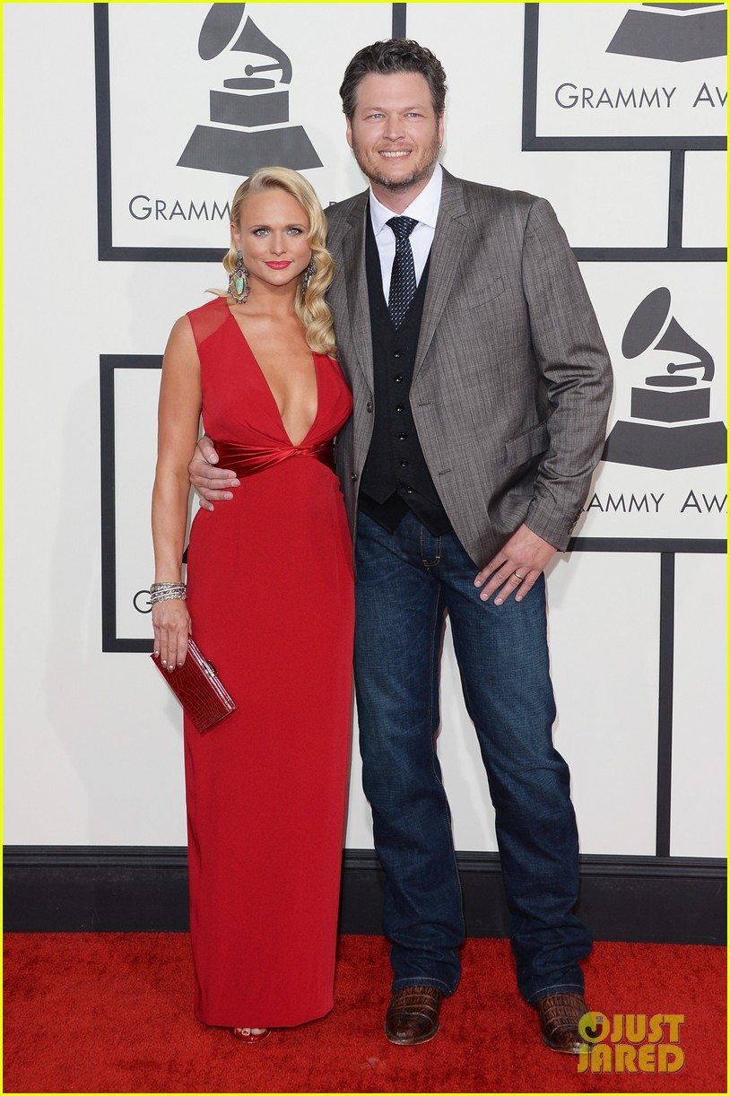 miranda lambert blake shelton grammys 2014 red carpet 043041007