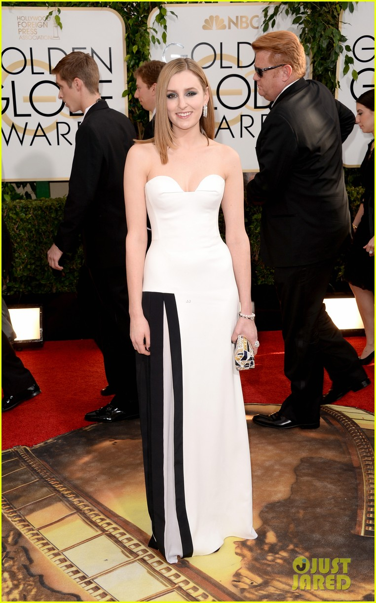 laura carmichael golden globes 2014 red carpet 033029593