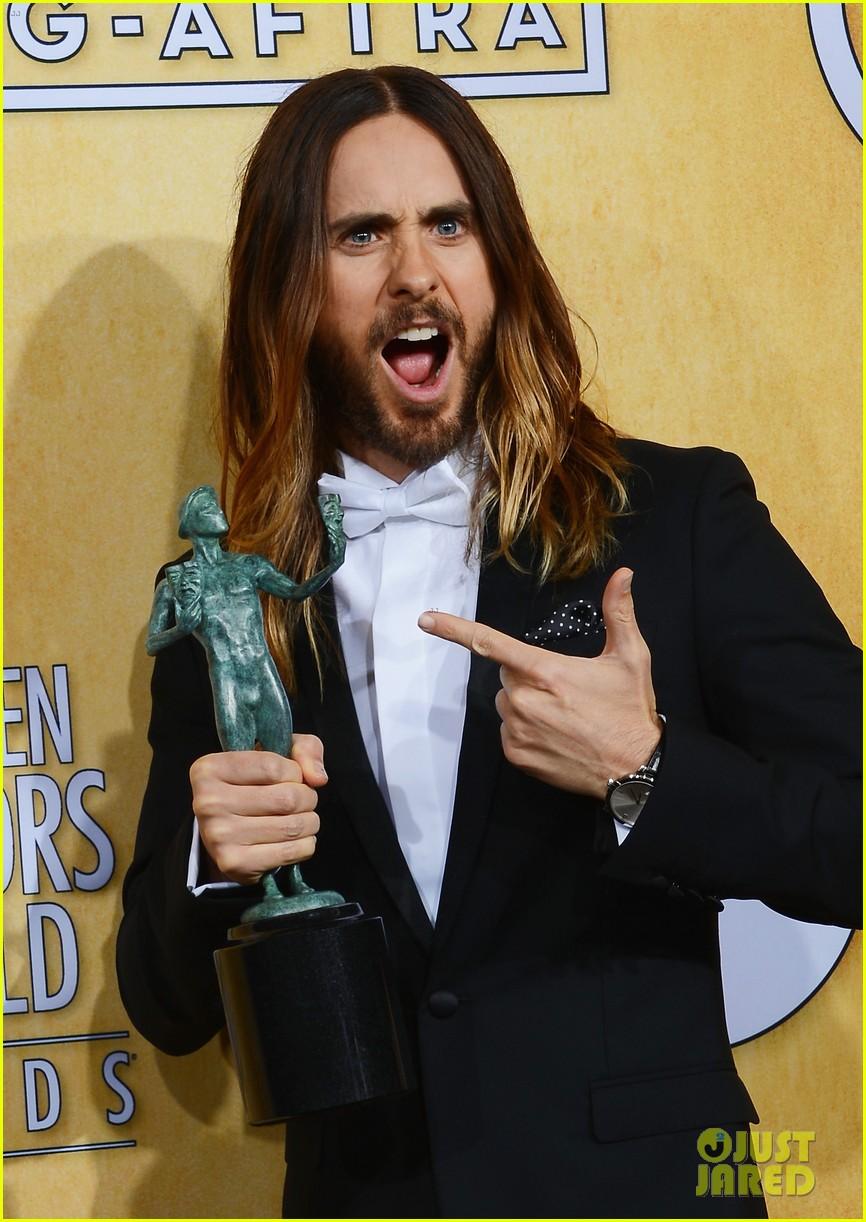 jennifer lawrence funny faces in sag awards press room 023035297