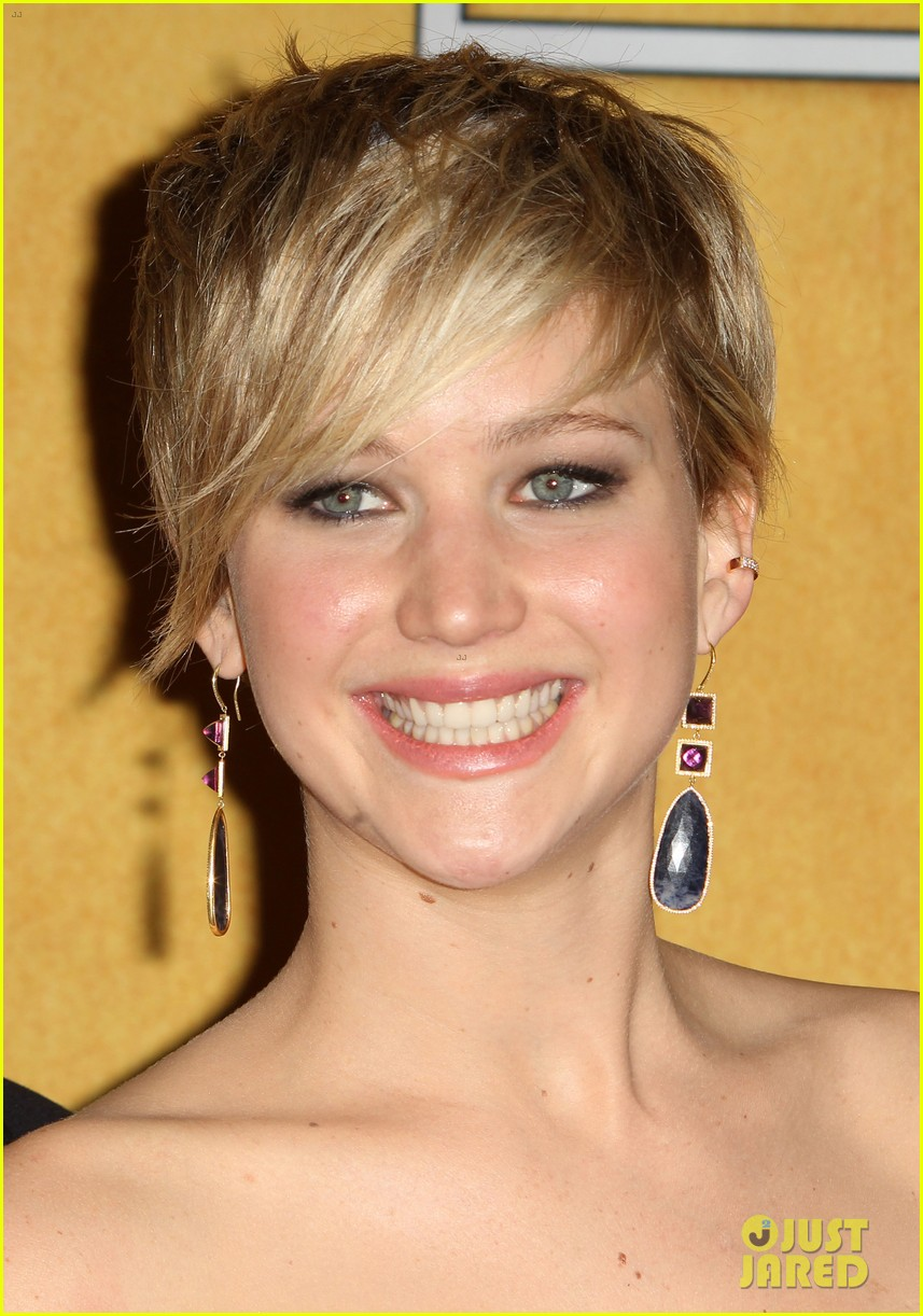 jennifer lawrence funny faces in sag awards press room 333035328