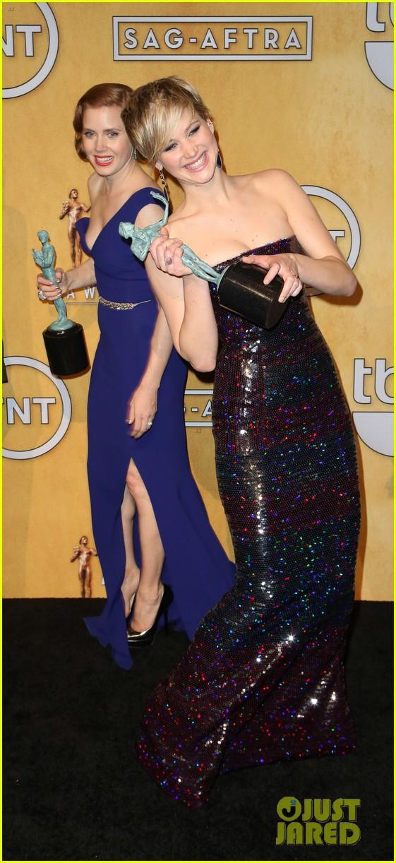 jennifer lawrence funny faces in sag awards press room 353035330
