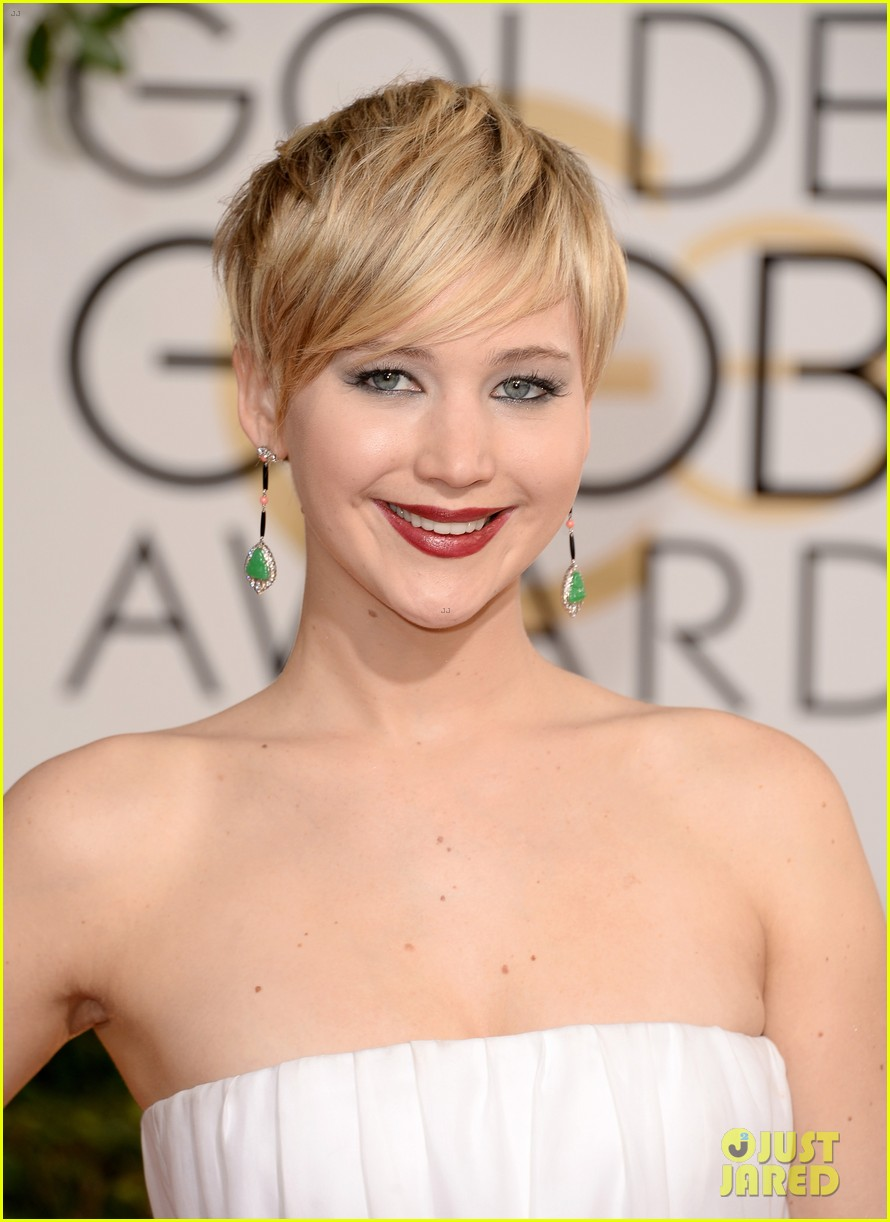 jennifer lawrence golden globes 2014 red carpet 023029273