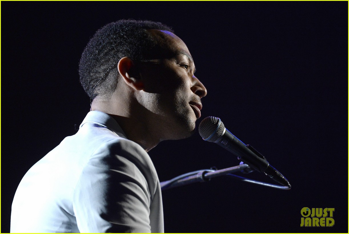 john legend performs all of me at grammys 2014 video 023041340