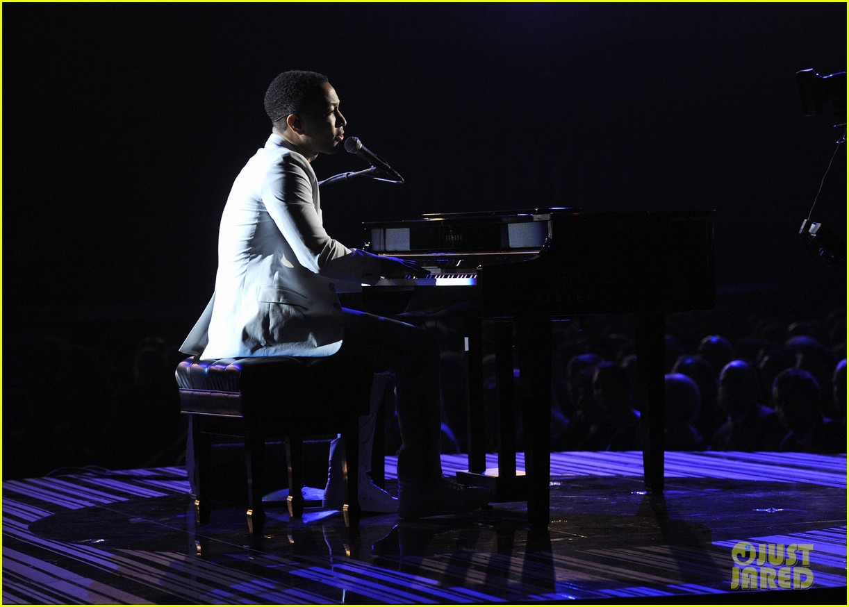 john legend performs all of me at grammys 2014 video 033041341