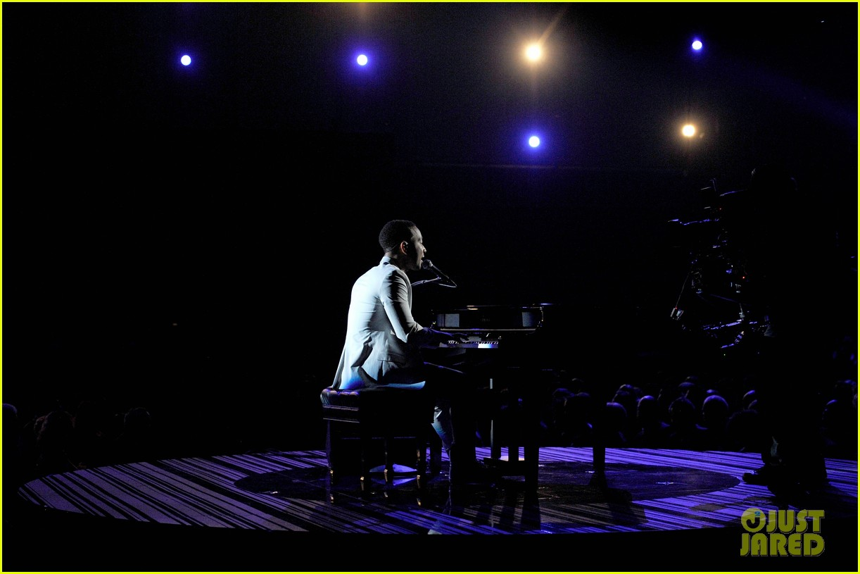john legend performs all of me at grammys 2014 video 053041343