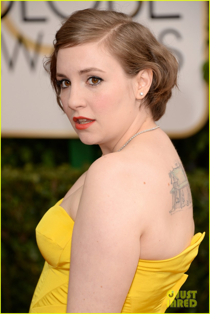 lena dunham golden globes 2014 red carpet 01