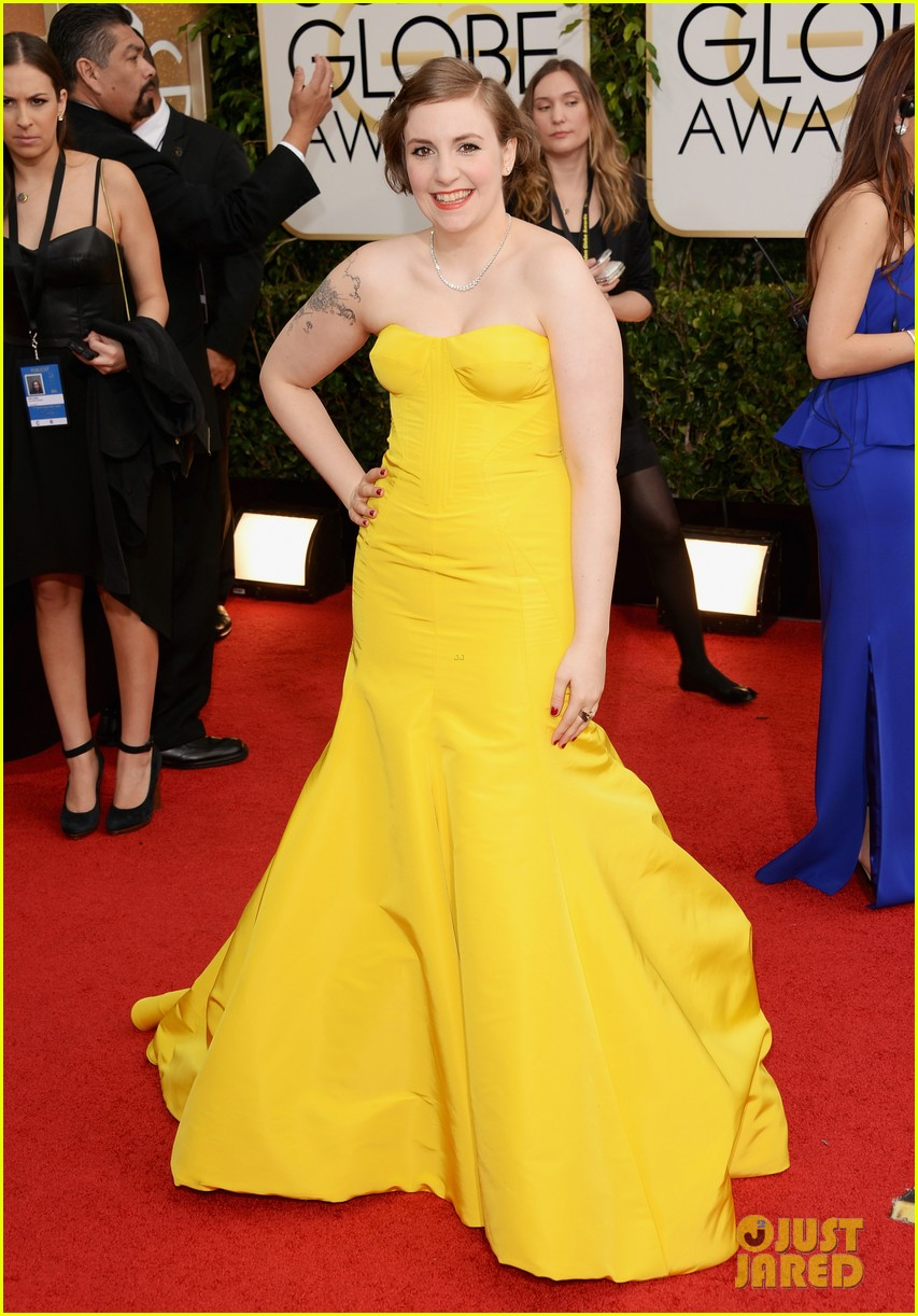 lena dunham golden globes 2014 red carpet 053029143