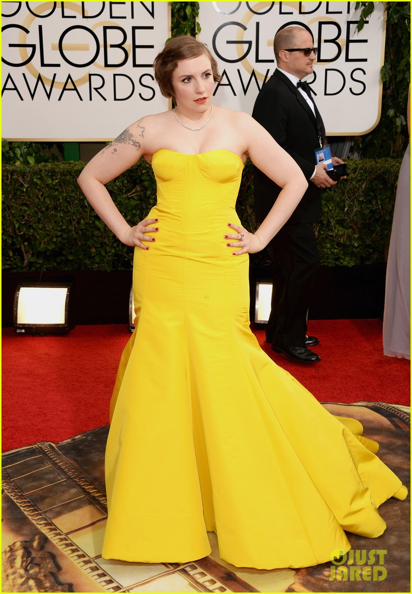 lena dunham golden globes 2014 red carpet 063029144