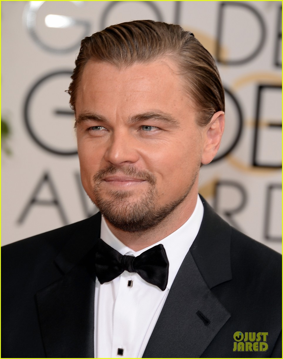 leonardo dicaprio golden globes 2014 with martin scorsese 013029495