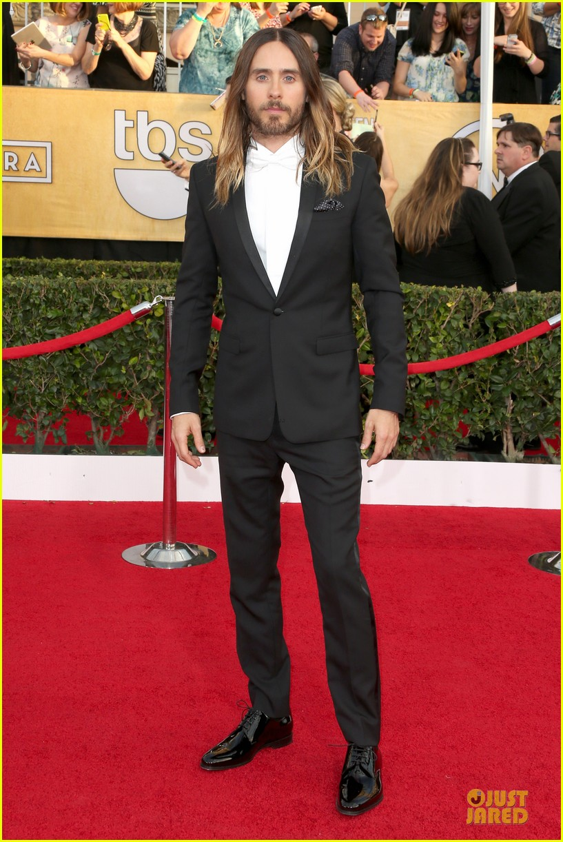 jared leto sag awards 2014 red carpet with mom constance 05