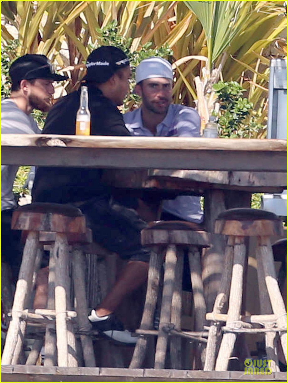 adam levine behati prinsloo cabo vacation in the new year 033022466