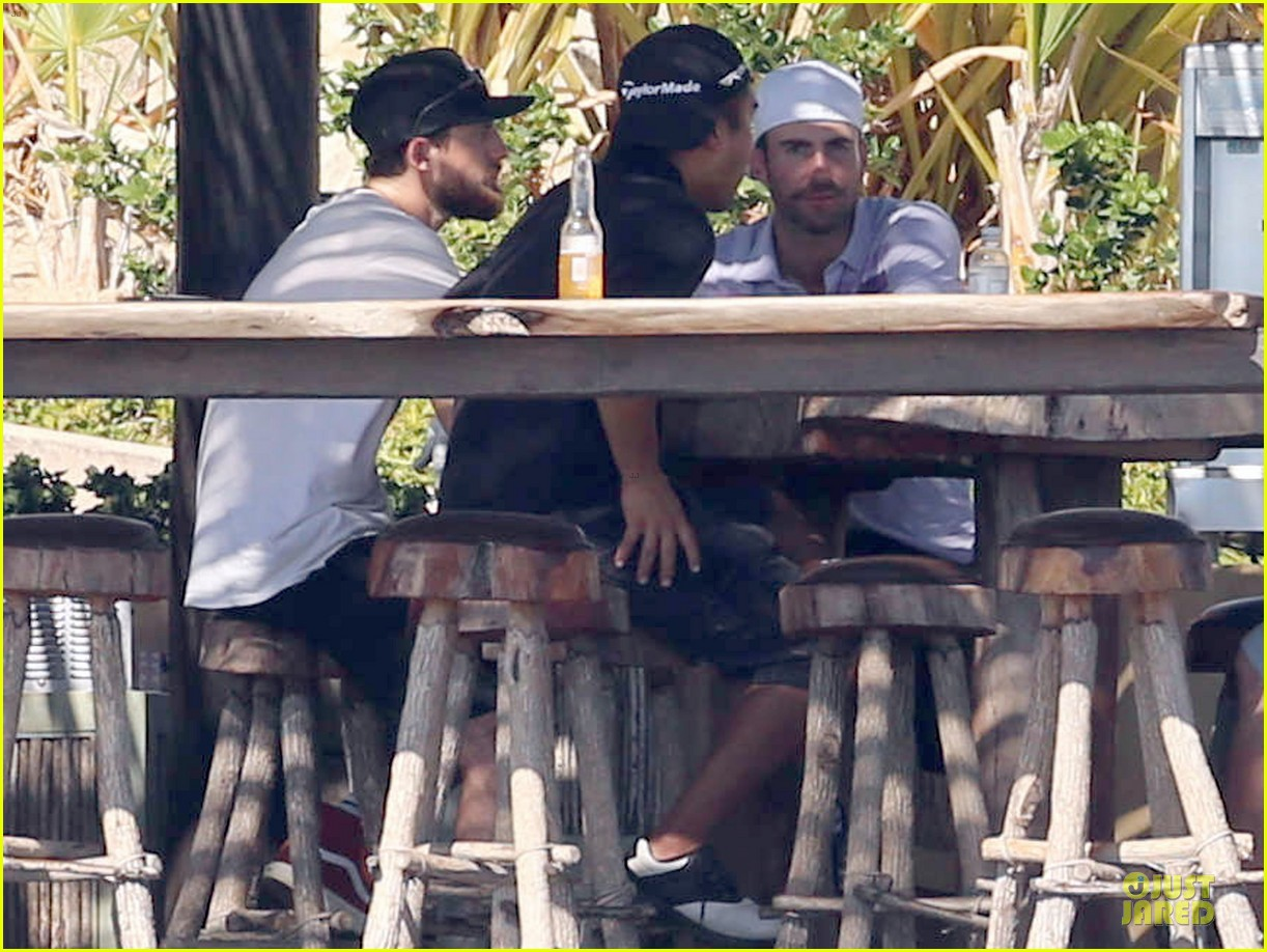 adam levine behati prinsloo cabo vacation in the new year 063022469