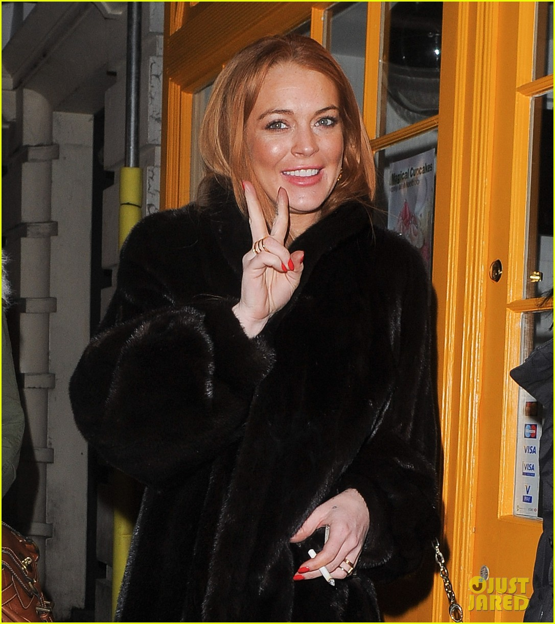 lindsay lohan enjoys the night life in london 023035433
