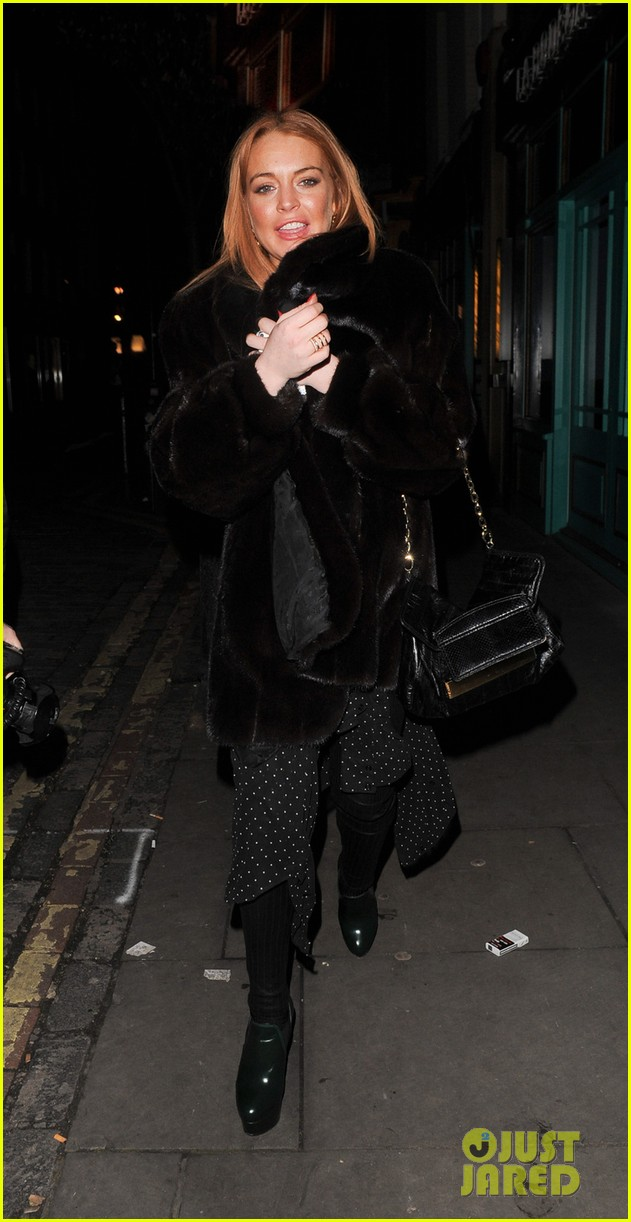 lindsay lohan enjoys the night life in london 03