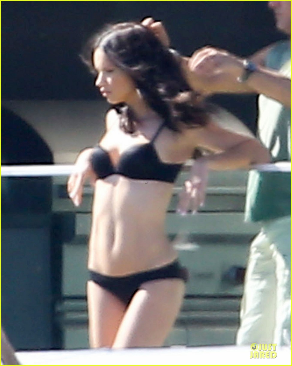 adriana lima rocks black bikini for victorias secret shoot 113034486