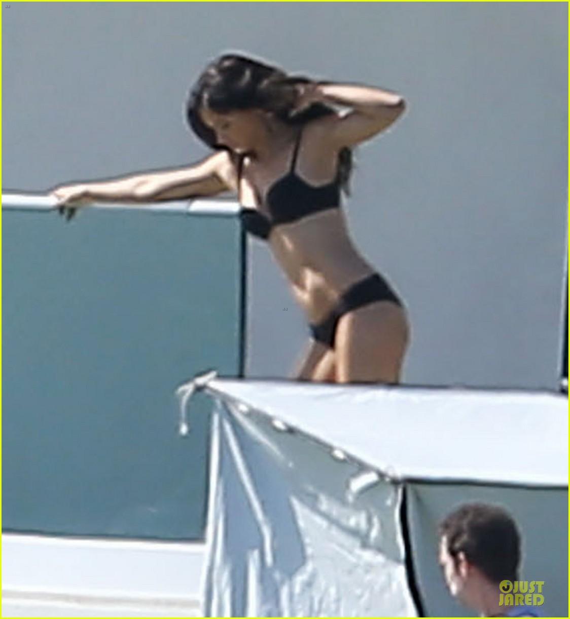 adriana lima rocks black bikini for victorias secret shoot 153034490