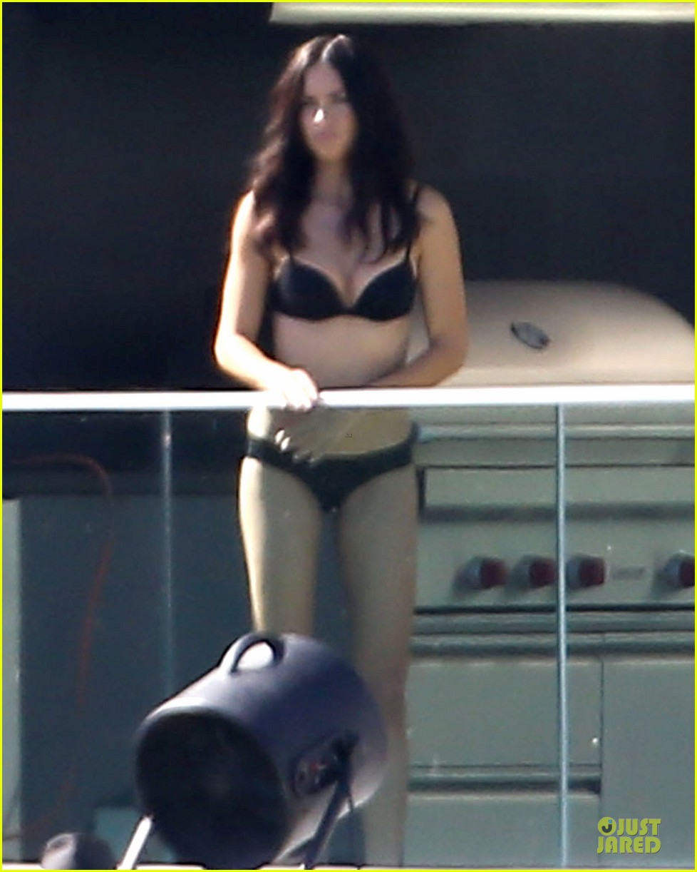 adriana lima rocks black bikini for victorias secret shoot 223034497