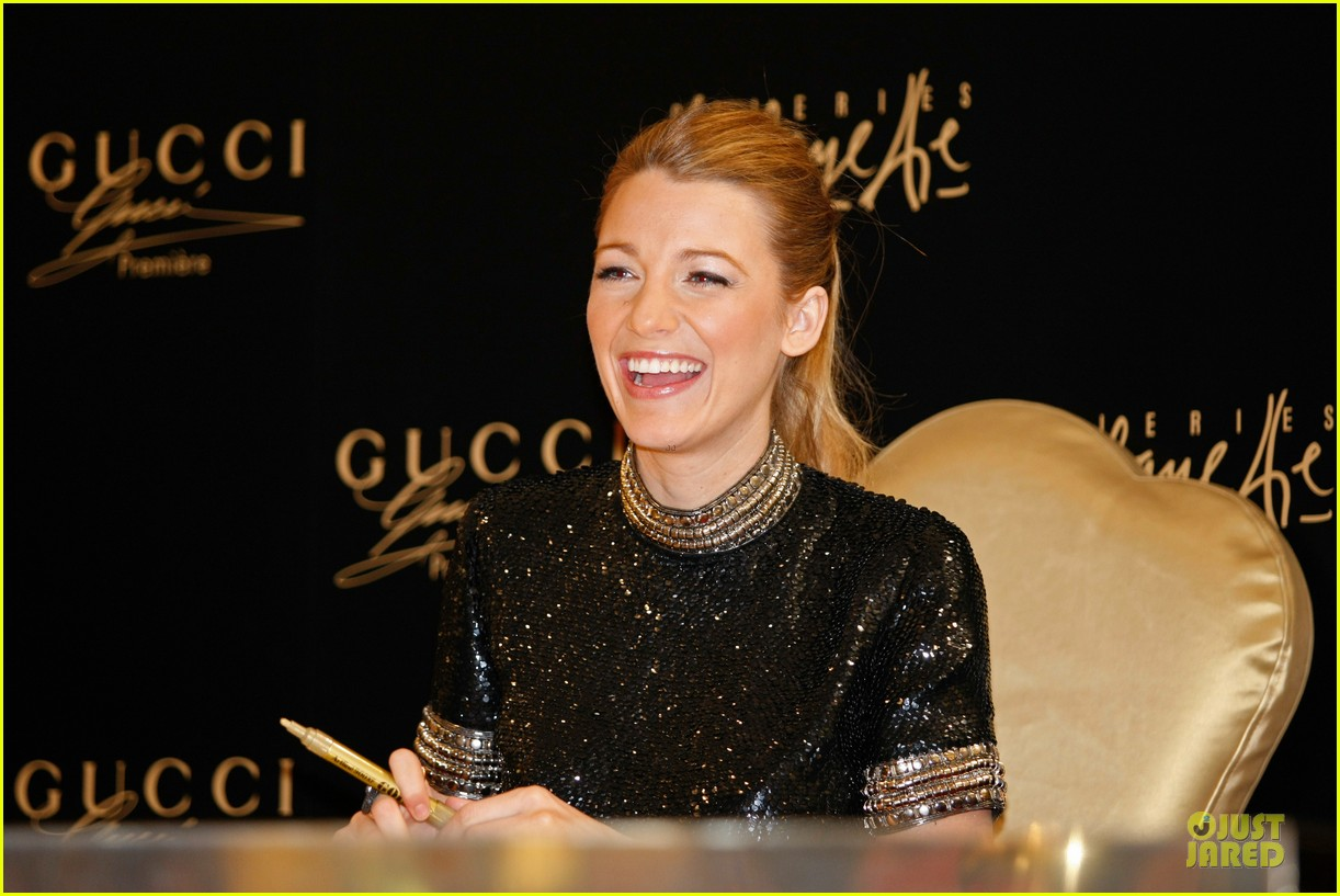 blake lively gucci premiere photo call 043022131