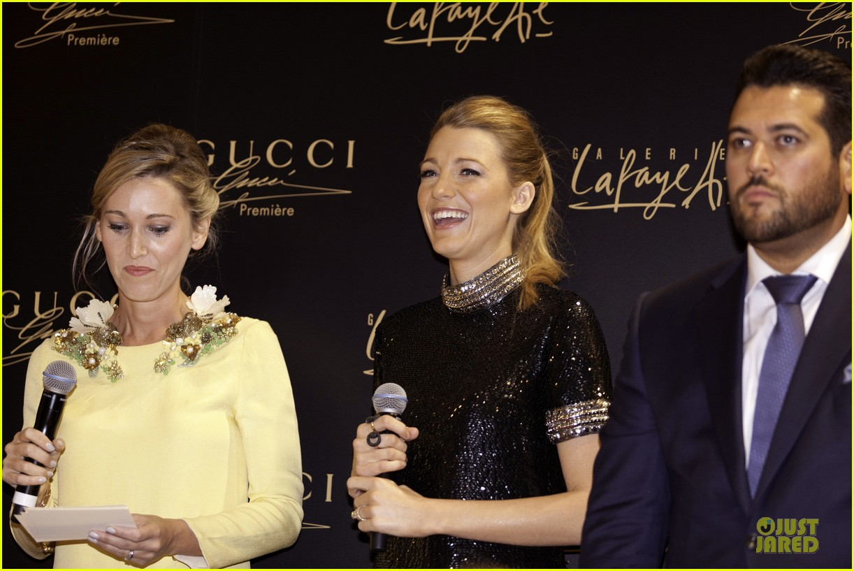 blake lively gucci premiere photo call 083022135
