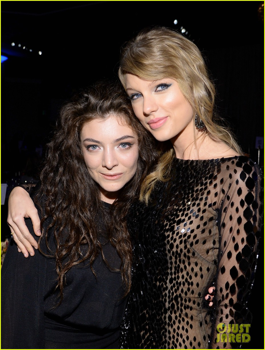 lorde meets up with taylor swift at clive davis pre grammys gala 2014 043040409