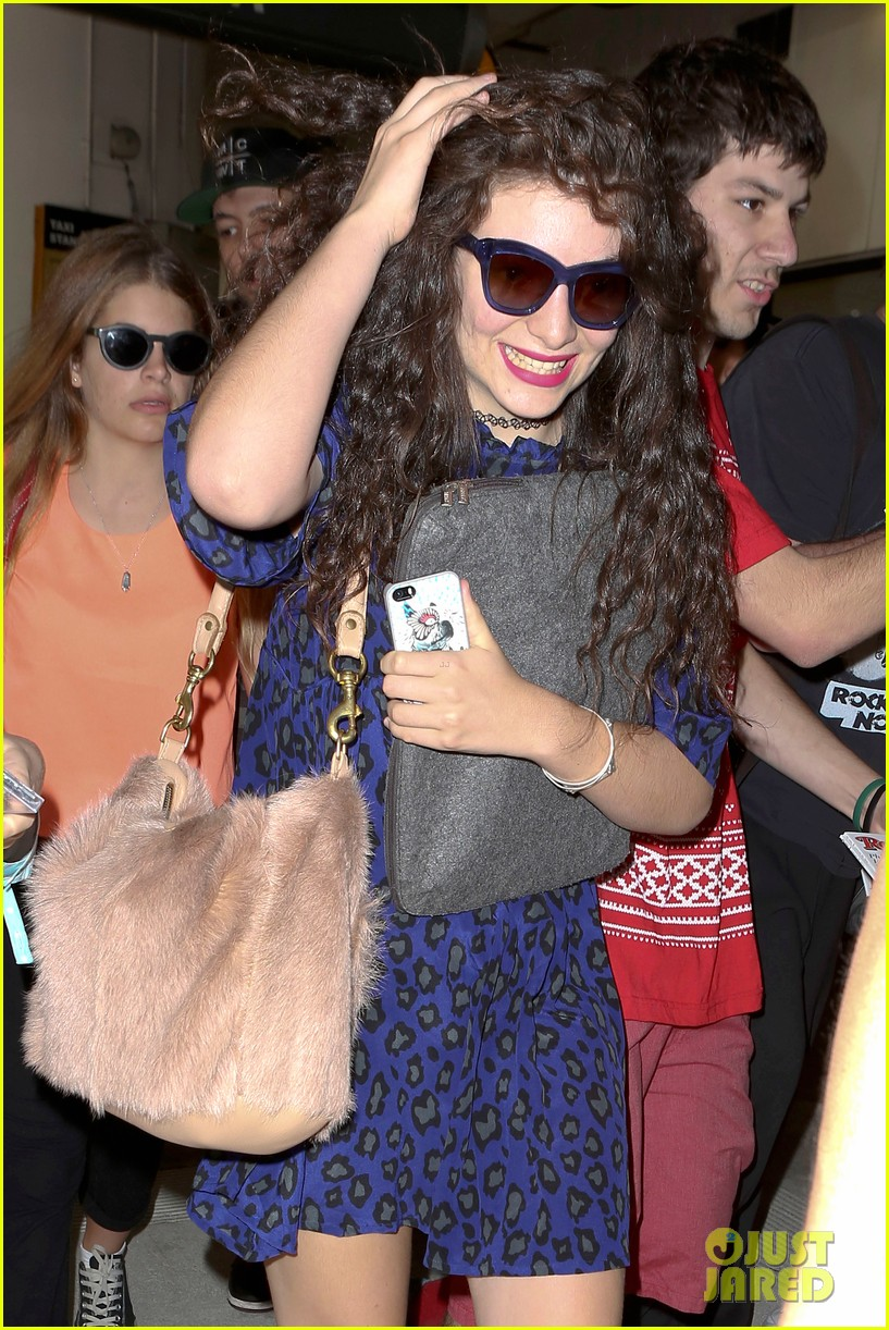 lorde arrives in town for grammy awards 2014 063038475