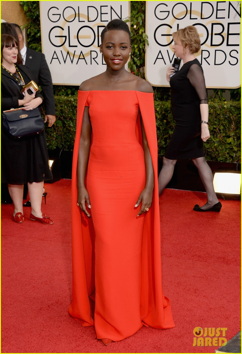 lupita nyongo golden globes 2014 red carpet 023029120