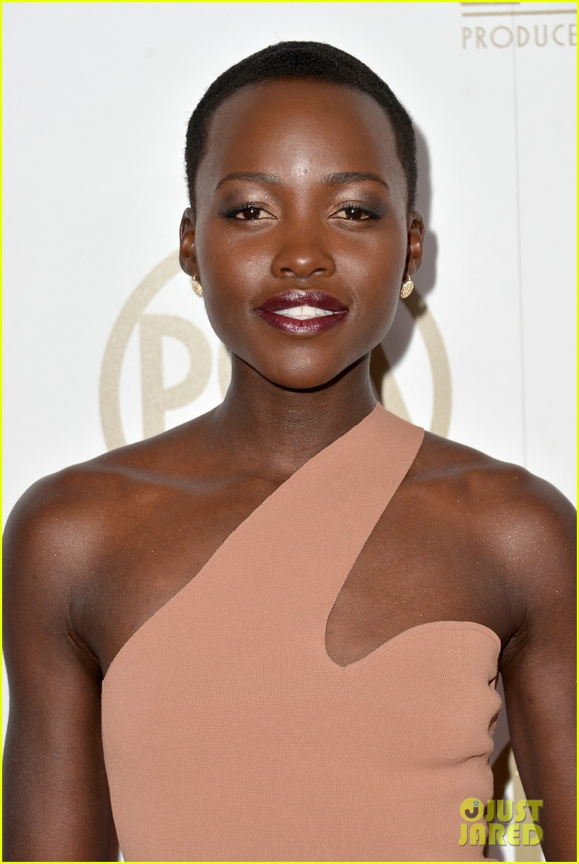 lupita nyongo producers guild awards 2014 red carpet 013035821