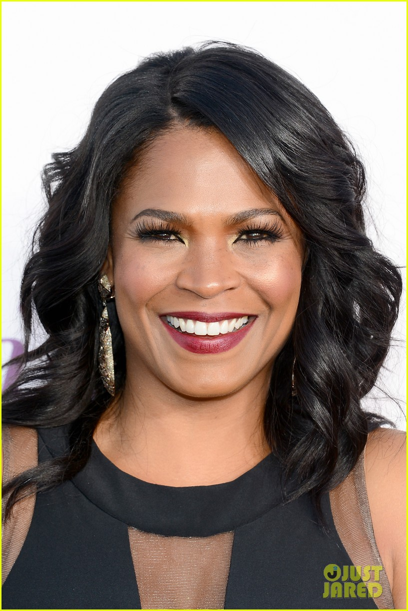 kellan lutz critics choice awards 2014 with nia long 02